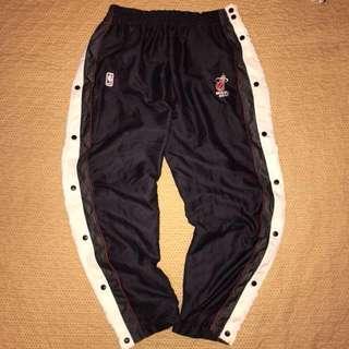 古著 老品 Official NBA 邁阿密熱火隊 電繡LOGO 緞面 透氣網眼 防風 全開式 熱身褲 籃球褲