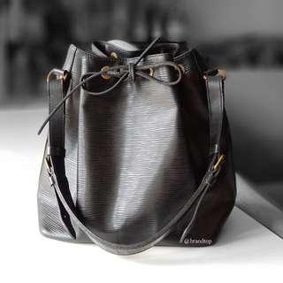 Authentic Louis Vuitton Black Epi Noe LV