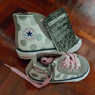 (New) Converse High-cut Shoe (suitable for toddler girl)