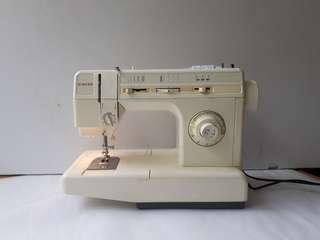 6 months guarantee Singer Sewing Machine
