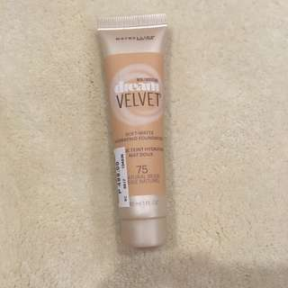 Maybelline Dream Velvet Foundation in Shade 75 Natural Beige