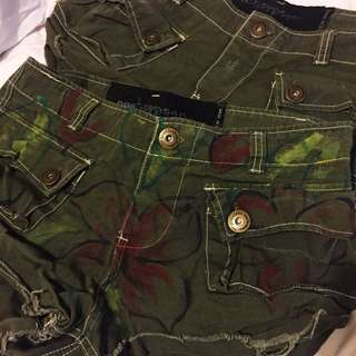 Two pairs One Teaspoon Shorts 8