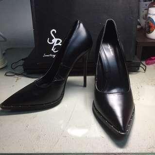 歐美品牌高跟鞋👠可換物喔!