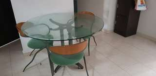 Glass top round dinning table