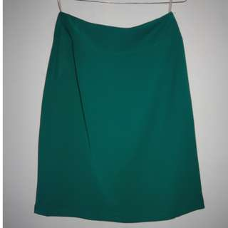 A033 MID LENGTH OFFICE SKIRT GREEN SIZE EU M