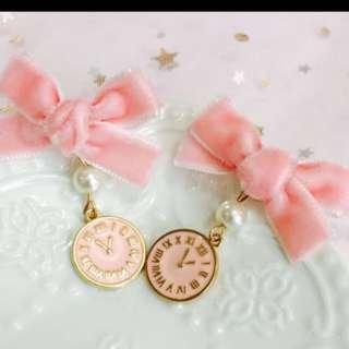 粉紅絲絨蝴蝶耳環