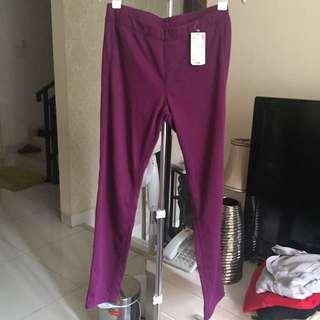 Uniqlo Jeans Legging Wanita Ungu Size L NEW