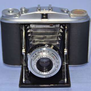 VINTAGE ANTIQUE AGFA ISOLETTE II GERMANY MECHANICAL FOLDING CAMERA CIRCA 1950s