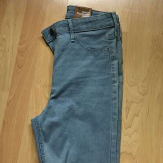(MAILED) Light Blue Jeans