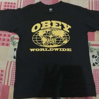 obey tshirt medium
