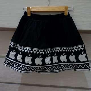 skirt apple