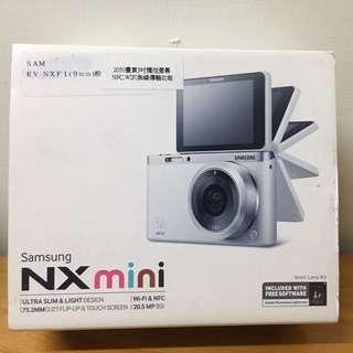 NX mini   3吋觸控螢幕、wifi無線傳輸功能