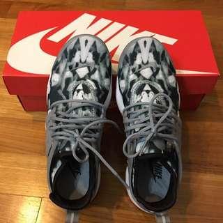 Authentic Nike Presto  ( Brand New)