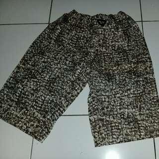 Celanan pendek