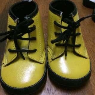 Dr martens pre walker shoes