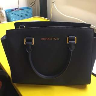 Michael Kors Selma Medium Saffiano Leather Satchel (Navy)
