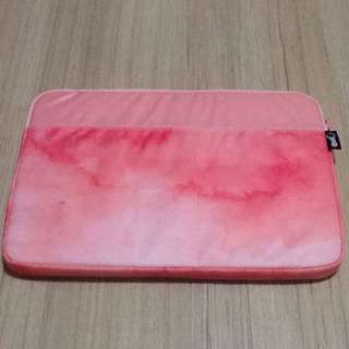 BN typo watercolour/pink laptop cover