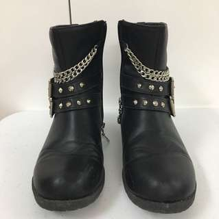 Black Boots with Chain and Buckles
