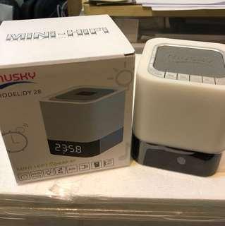 放 全新 黑白色 Mini Hifi Speaker