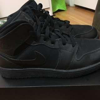 Jordan 1 mid BG size 7Y