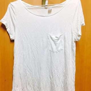 日本H&M 類絲綢材質S號白T