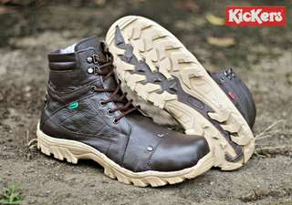 Kickers boots predator