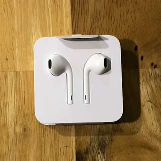 Brand New Authentic Apple Earphones