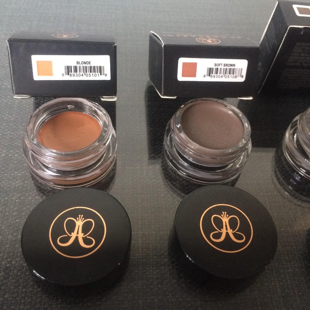 Anastasia Beverly Hills Eyebrow Pomade CLEARANCE