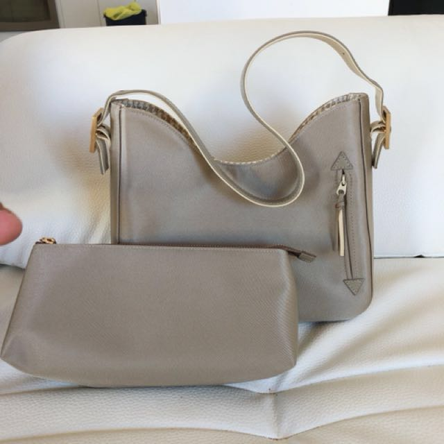 💯Authentic Givenchy handbag and pouch