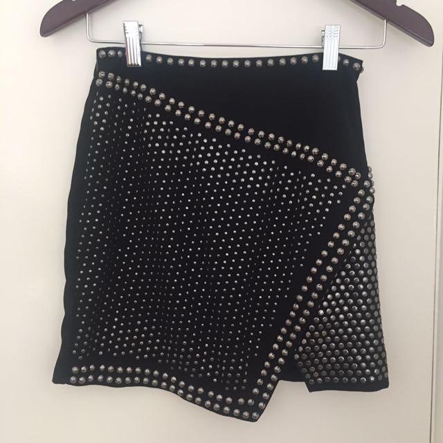 Bardot Size 6 Black Studded Skirt