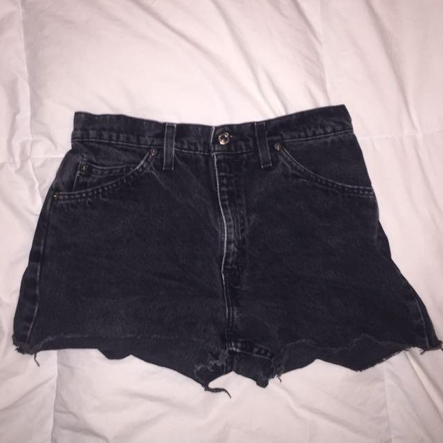 Black Levi shorts - size 29