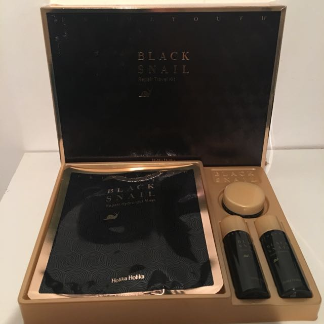 Black Snail kit Holika Holika