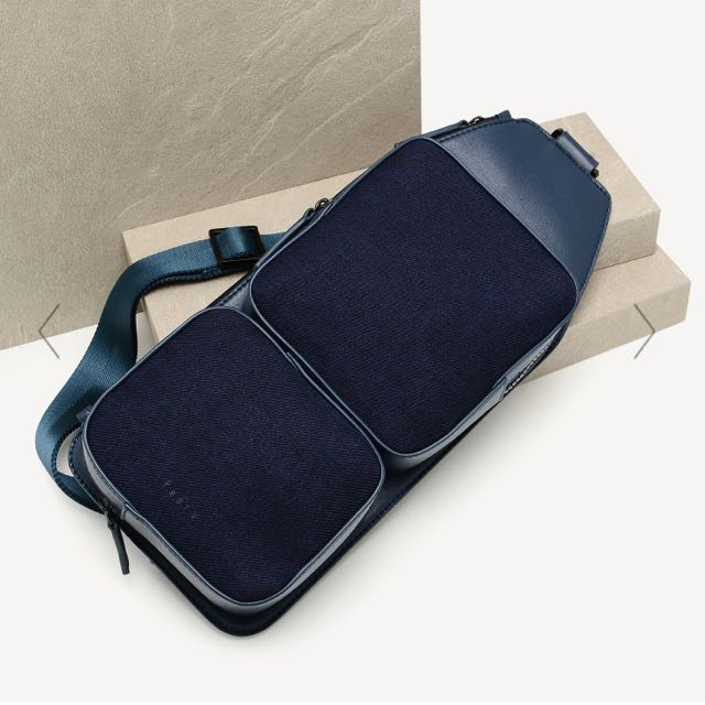 Bn Pedro Casual Sling Bag In Navy Men S Fashion Bags Wallets On Carou