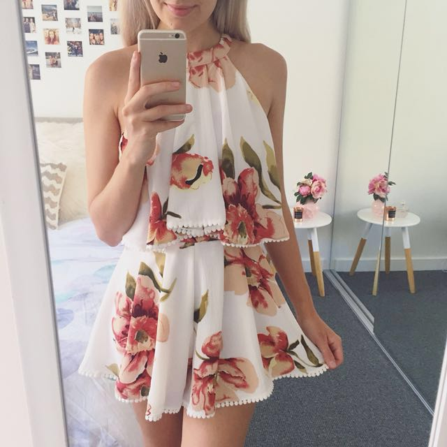 BNWT Shareen Floral Playsuit