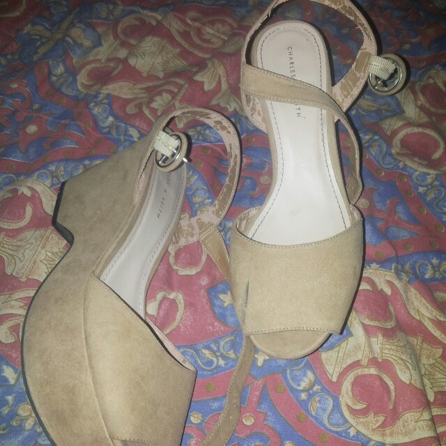 charles&keith pumps