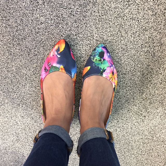 Flowery Flat Shoes