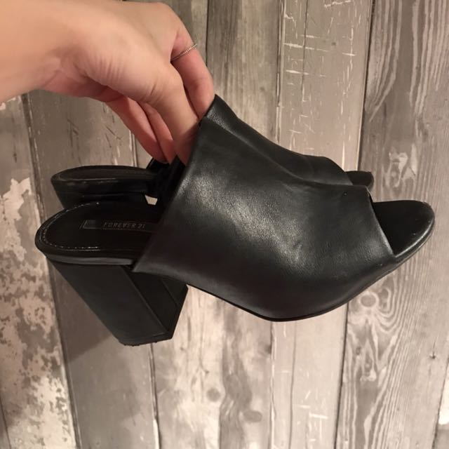 Forever 21 mules