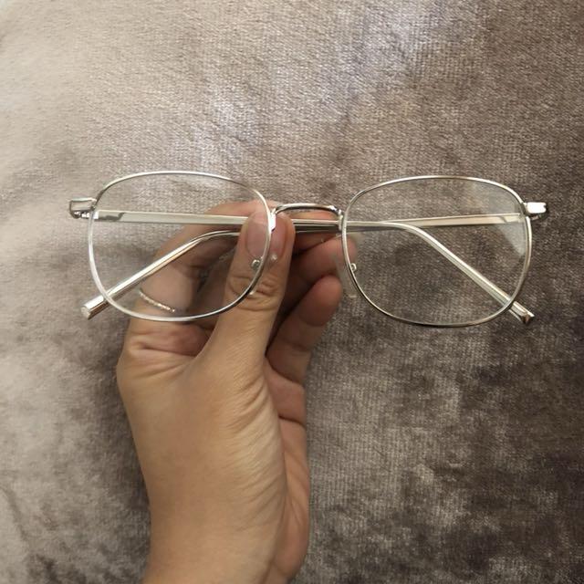 Glasses • Normal