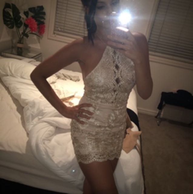 Gold dress !