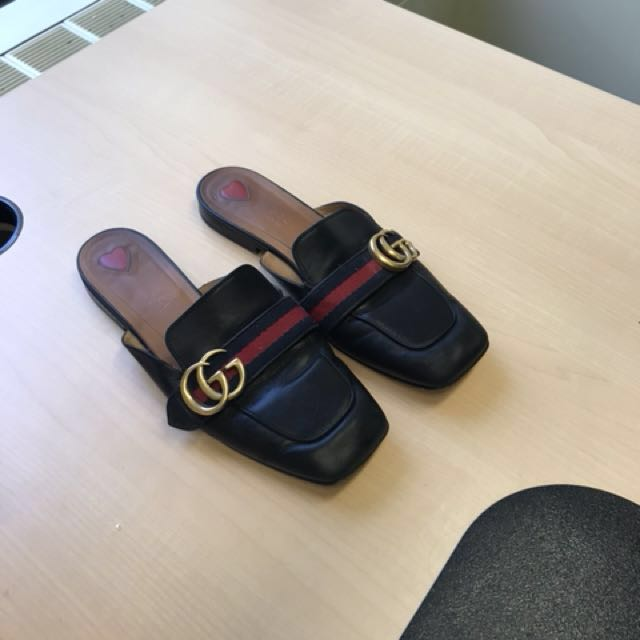 Gucci slides size 7 (avail. w/ original box)