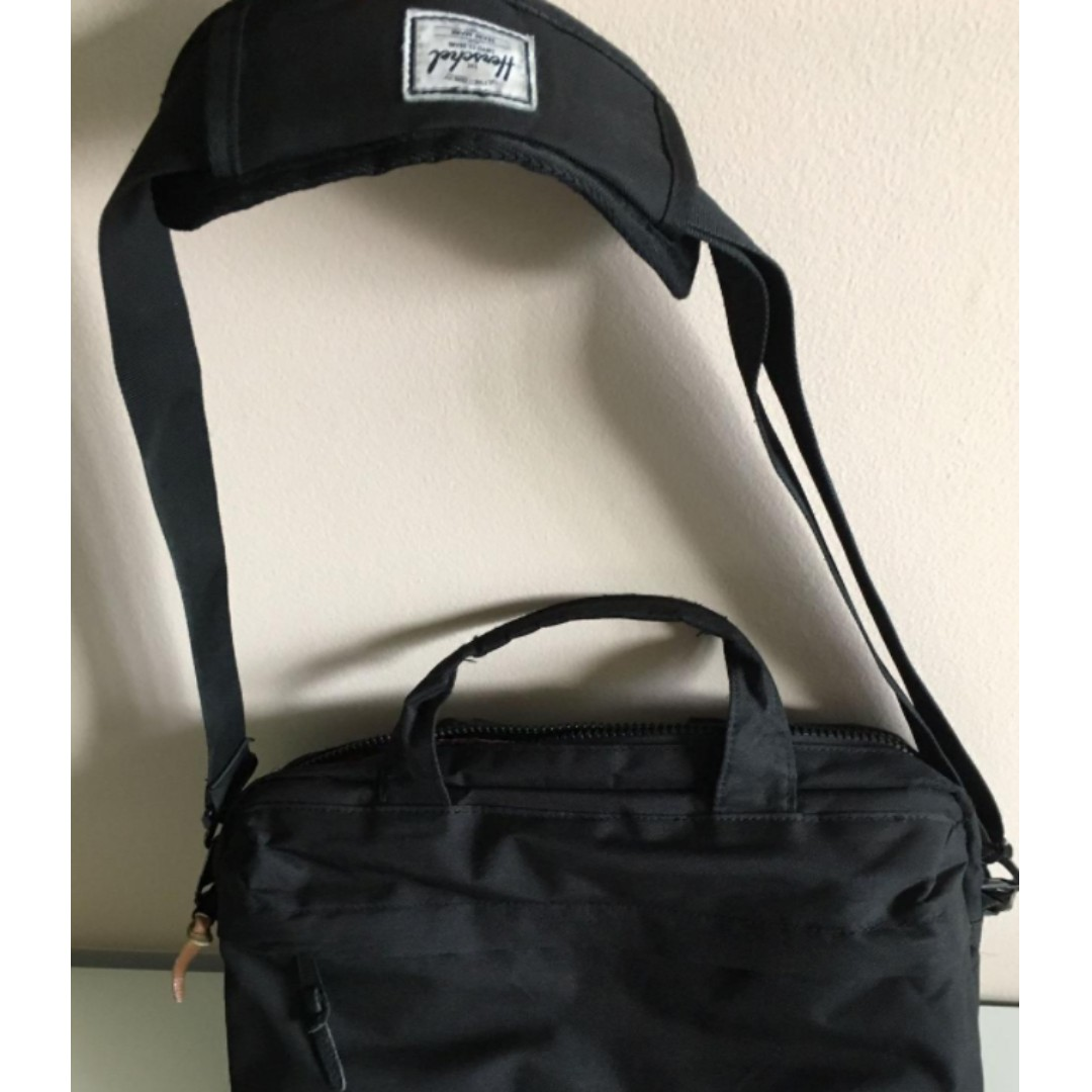 Herschel Supply Co. Messenger Bag
