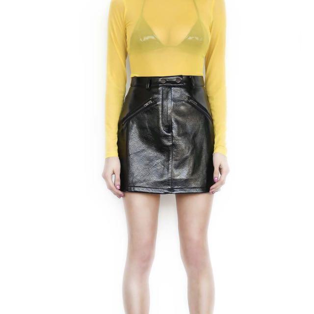 I am gia black leather jagger skirt