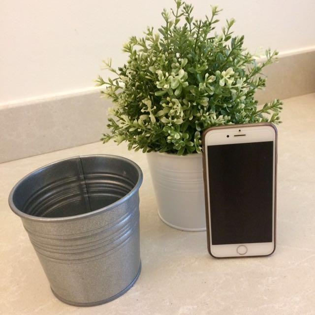 Ikea plant + 2 pots