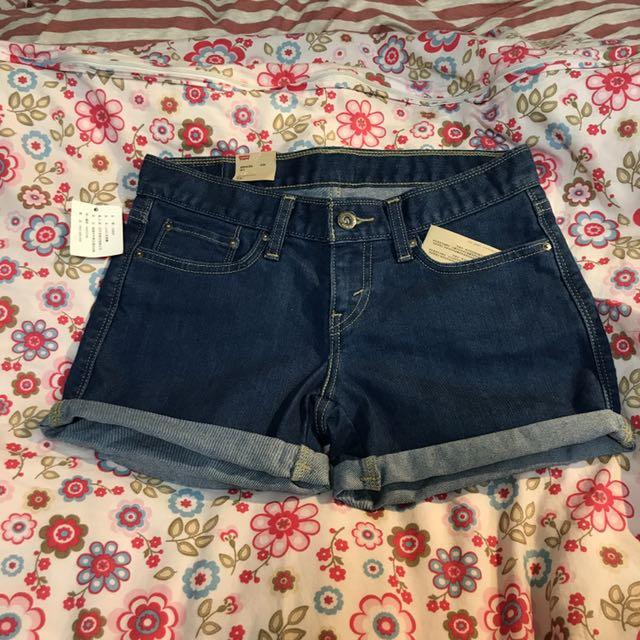 Levi's 女牛仔短褲(W27)