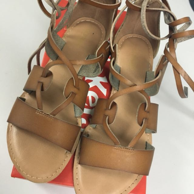 Old Navy Leather Sandals