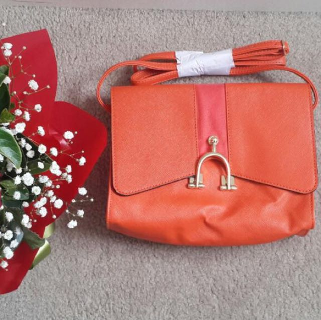 Oriflame summer17 collection sling bag
