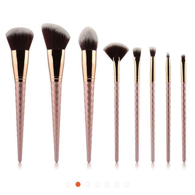 PO | 8 Pcs Real techniques Insp Unicorn rose gold Makeup Brushes