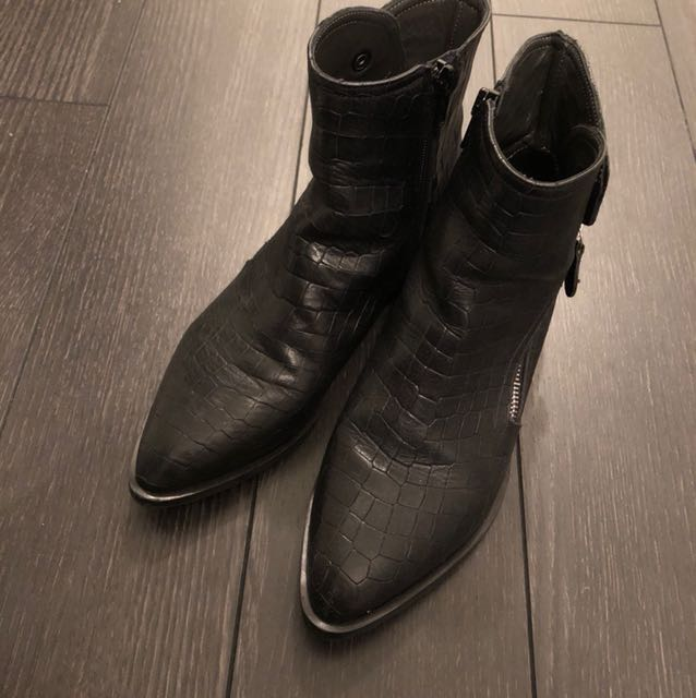 Real leather boots made in Italy