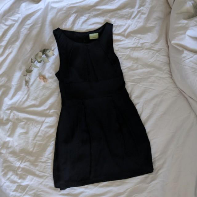 Review Australia Silk Shift Dress
