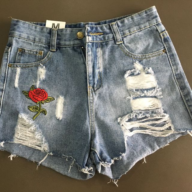 Rose Embroidery Jeans Shorts